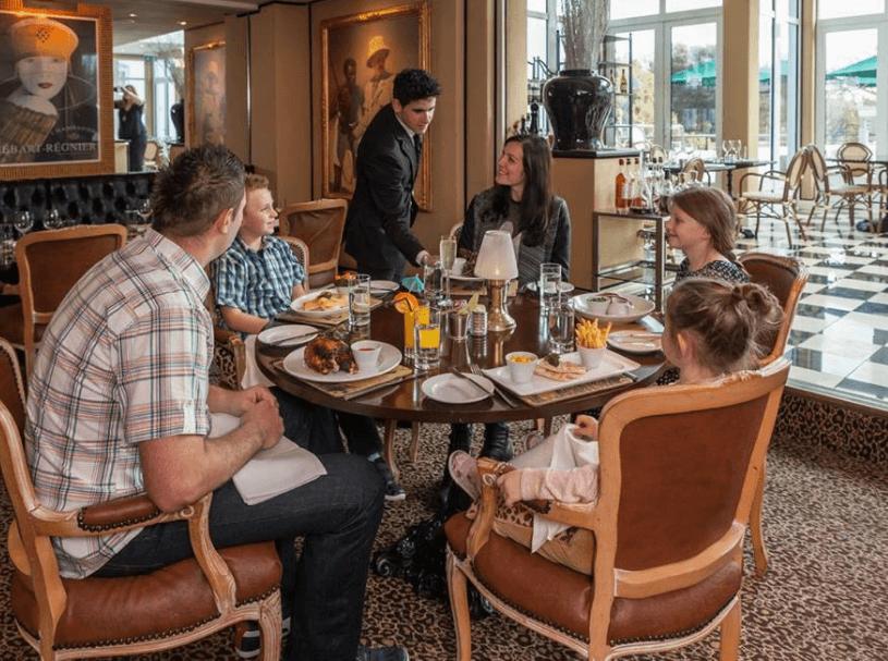 Duke of Richmond Dining Islandmums Offer
